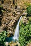 Wasserfall unter neuer Brücke - Puente Nuevo herein Stockfotografie