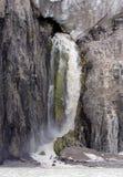 Wasserfall von der Unterseite des Gletschers stockbilder