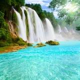 Wasserfalllandschaft Lizenzfreies Stockfoto