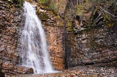 Wasserfalllandschaft stockbild