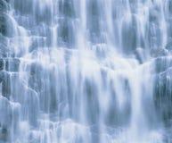 Wasserfallnahaufnahme lizenzfreie stockfotografie