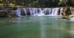 Wasserfallszene Stockbild