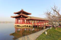 Wassergangpavillon von datang furong Garten im Winter, luftgetrockneter Ziegelstein rgb Stockbild