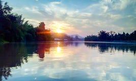 Wassergebirgssonne Thailand Stockfotos
