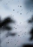 Wasserhintergründe mit Wasser lässt Wasserblasen fallen Lizenzfreie Stockbilder
