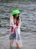 Wasserkampf auf Kiew-Strand Stockfotos