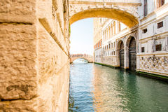 Wasserkanal in Venedig lizenzfreie stockfotos