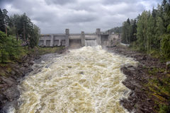 Wasserkraftwerk in Imatra lizenzfreie stockfotos