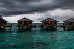 Wasserlandhäuser bei schlechtem Wetter Lizenzfreie Stockfotos