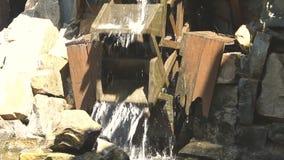 Wassermühlrad stock video