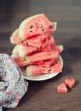 Wassermelone auf der Platte Lizenzfreies Stockfoto