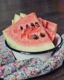 Wassermelone auf der Platte Stockbilder
