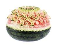 Wassermelone, die Blume auf weißem Hintergrund schnitzt Lizenzfreie Stockbilder