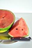 Wassermelone schnitt in die essfertigen Scheiben Stockfoto