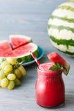 Wassermelone Smoothie stockfotos
