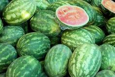 Wassermelonen auf Bildschirmanzeige Stockfotos