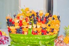 Wassermelonenobstkorb Stockfotografie
