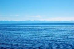 Wasseroberfläche des Baikalsees Stockbild