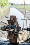Wasserrad für Fangfisch-Weinlesefokus auf Front Stockbild