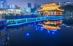 Wasserschloss-Ruzi Pavilion Park night. Kiosks in the city of Nanchang province Xihu District in Jiangxi, West Lake, named for the memorial of the Eastern Han Royalty Free Stock Photo