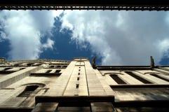 - Wasserspeier oben schauen Stockbild