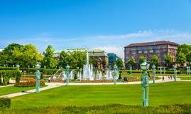 Wasserspiele fontanna na Friedrichsplatz kwadracie w Mannheim, Niemcy - Obrazy Royalty Free