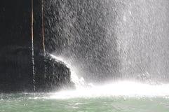 Wasserspritzen auf dem Fluss Stockfoto