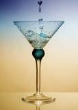 Wasserspritzen im Glas stockfoto
