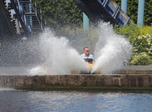 Wasserspritzen-Rummelplatzfahrt Stockfotografie