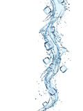 Wasserspritzen- und -eiswürfel Lizenzfreie Stockbilder
