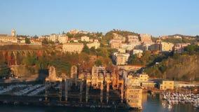 Wasserstand des Hafens und der Stadt Savona, Italien stock video footage
