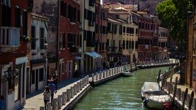 Wasserstraße in Venedig Stockfotos