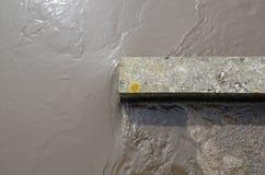 Wasserstrom in mit Kohlensäure durchgesetzter Kornkammerreinigungsstufe Stockfotos