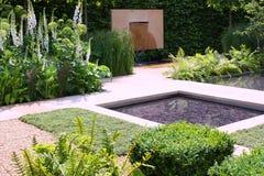 Wasserteichgarten Stockbild