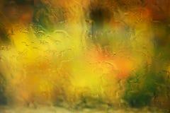 Wassertropfen auf Fenster Stockfoto