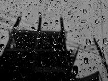 Wassertropfen auf Glas Lizenzfreie Stockbilder