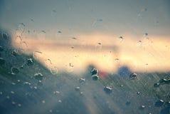 Wassertropfen auf Windfang Lizenzfreie Stockfotografie