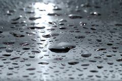 Wassertropfen - Silber Stockfoto