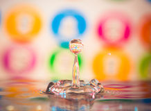 Wassertropfenspritzen Stockbild