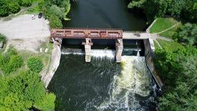 Wasserverdammung auf einem Fluss stock video footage