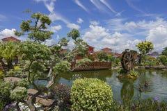 Wasserwindmühle im Garten Lizenzfreies Stockbild