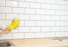 Wastegels na keukenwederopbouw Stock Afbeeldingen