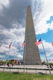 Waszyngtoński zabytek otaczający flaga USA Zdjęcia Stock