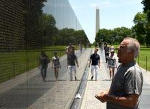 Waszyngton, DC - Czerwiec 01, 2018: Goście na wojna w wietnamie notatce Zdjęcia Royalty Free