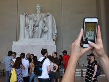 Waszyngton, DC - Czerwiec 01, 2018: Turyści robią fotografii blisko sta Zdjęcie Royalty Free