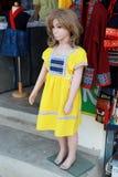 Wat土井Kum,Muang,Changmai,泰国很好20,2019名妇女服装店 在泰国北女孩当地布料穿戴的时装模特 免版税库存照片