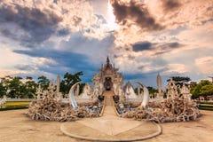Wat在Chiangrai省,泰国的Rong Khun 图库摄影