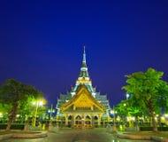 Wat如此刺寺庙在晚上 图库摄影