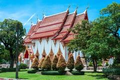 Wat查龙寺庙复合体在普吉岛,泰国 免版税库存图片