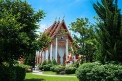 Wat查龙寺庙复合体在普吉岛,泰国 免版税库存照片